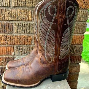 50cc750e498 Never worn Ariat wide square toe western boot